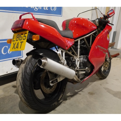 804 - Ducati 900ss motorcycle. 1993. 27,492 miles showing on clock. MOT til March 2022. Starts and runs. c...