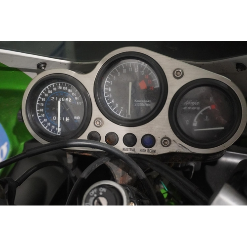 805 - Kawasaki ZX600F Ninja motorcycle. 1995. 600cc. Date first registration 05 05 1995.  MOT expiry March...