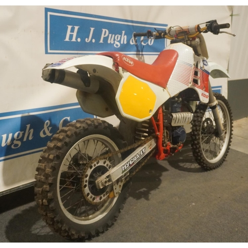 821 - KTM 600 LC Motocross bike. 1988. Good engine compression. Runs. Nice original bike. No docs