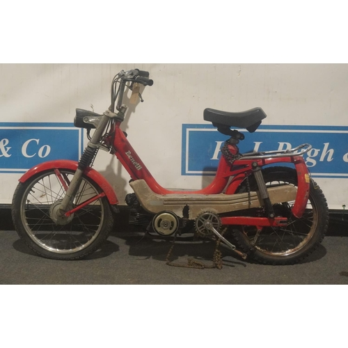 827 - Benelli G2 scooter. Good project. No docs