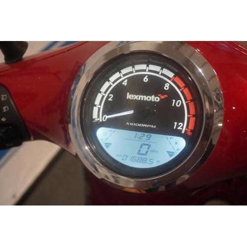 840 - Lexmoto Milano 125 moped. 2016. 1638miles recorded. Runs c/w helmet and top box. Reg. FG16 HCU. No V...