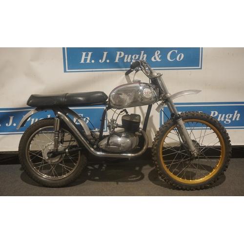 842 - BSA Bantam Trials bike project. Frame No. D743919. Engine no. BD3B14588. Turns over, Yamaha forks. N...