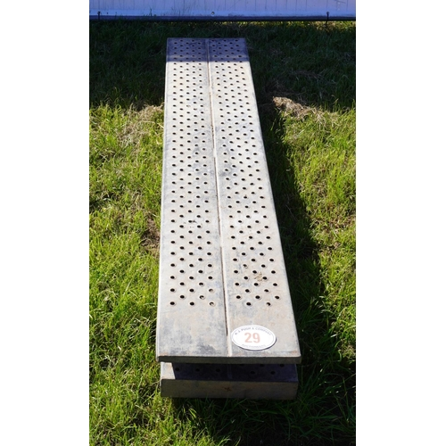 29 - Pair of loading ramps 6ft