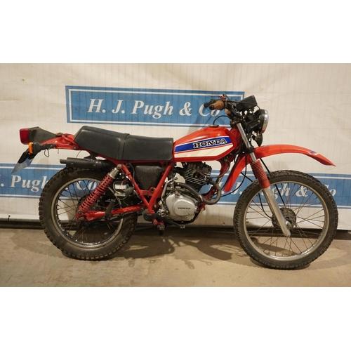 811 - Honda XL 185 motorcycle. 1979. 180cc. Reg. YMF 614T. V5, key