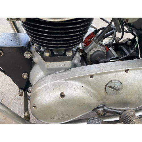 816A - Triumph Thunderbird 650cc motorcycle. 1958. Engine changed at some point. Runs well. Non-matching nu...
