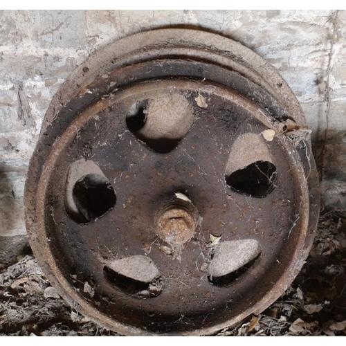 21 - Fordson iron wheels