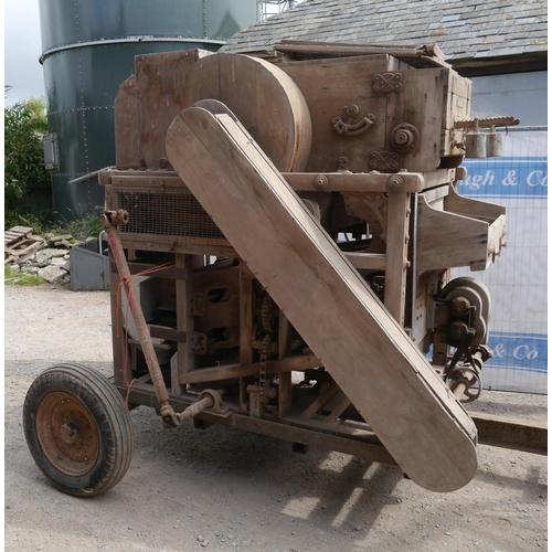 37 - Turner Ipswich A42 barn grain cleaner