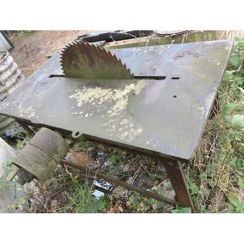 62 - Denning saw bench