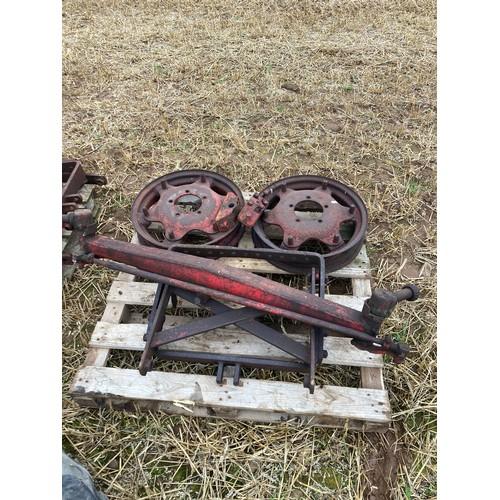 26 - David Brown axle & wheels