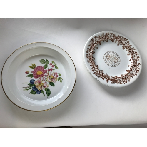 54 - 2 salisbury plates and a worcester dish....