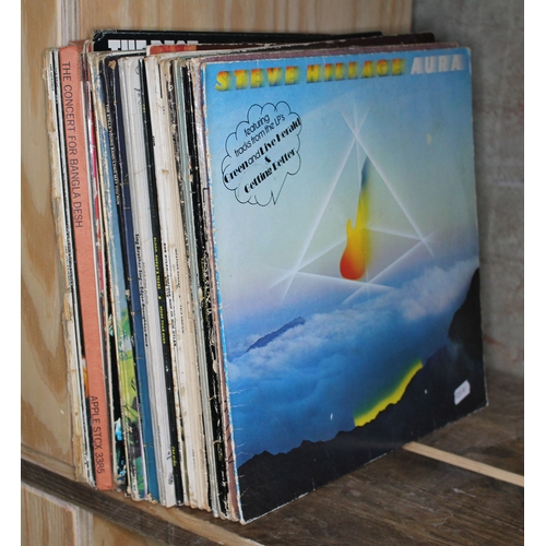 385 - Various rock and pop LPs including Soft Machine, Pink Floyd, Fairport Convention etc....