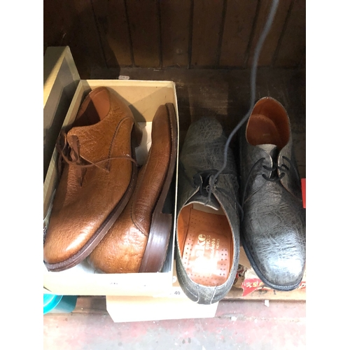 26 - A pair of Loake gents shoes size 9 and a pair of Grenson gents shoes size 8.5...
