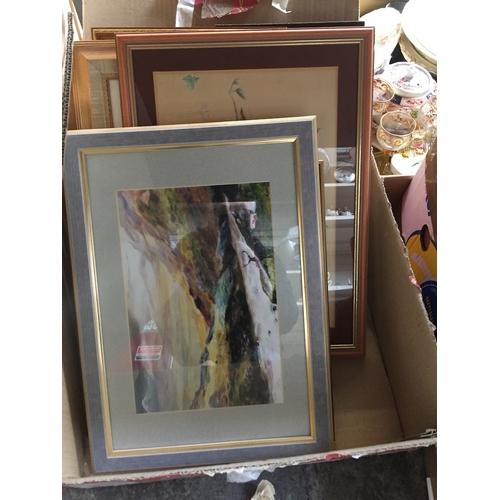 937 - Box of prints...