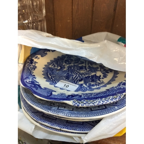 10 - Quantity of blue and white pottery to include Willow and Royal Worcester...
