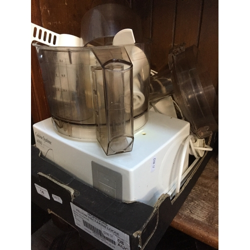 14 - A Cuisine Systeme 4000 food processor with accessories...