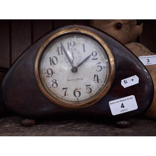 4 - A Novo Gong mantel clock...