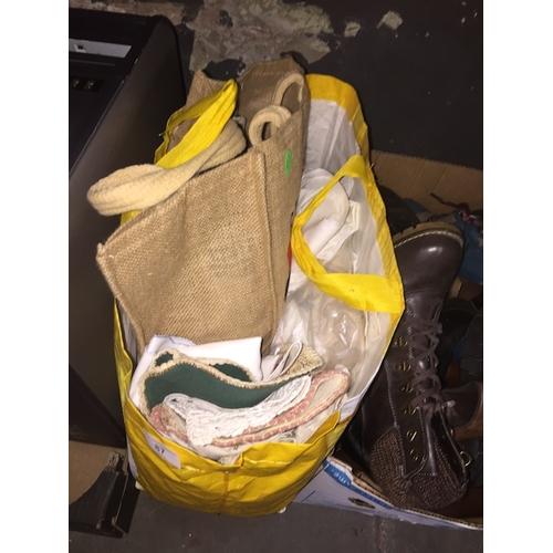 87 - A bag of linen, crochetware, doilies, etc....