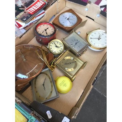 940 - A box of clocks...
