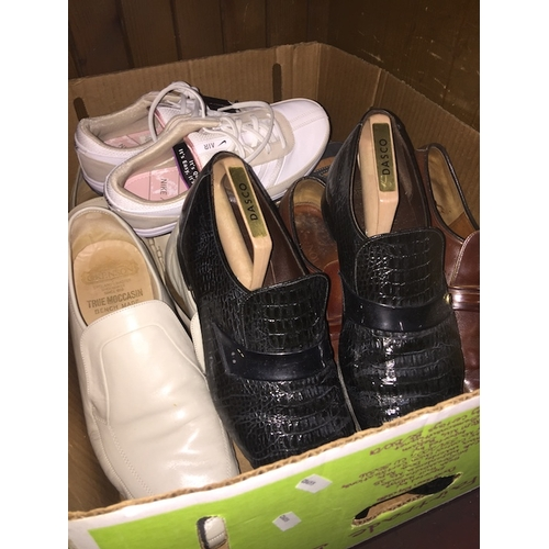 37 - 5 pairs of men's shoes to include Grenson, Barker Novas and Clarks - all size 10 1/2 and a pair of N...