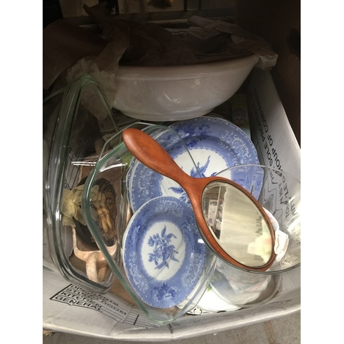 59 - A box of Spode blue and white plates, a large glass vase, Arthur & Wood centrepiece and some boxed m...