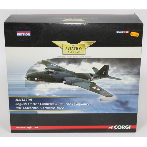 12 - Corgi Aviation Archive Collector Series English Electric Canberra B.Mk 2 RAF No.10 Sqn, WH640, 1:72 ...