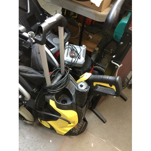 124 - Karcher K5 Full Control Plus power washer....