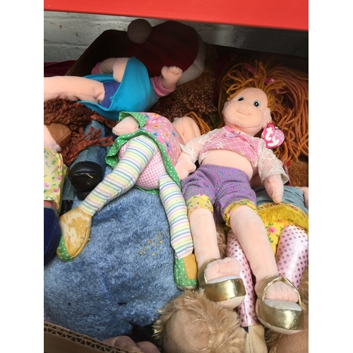 140 - A box of soft toys...