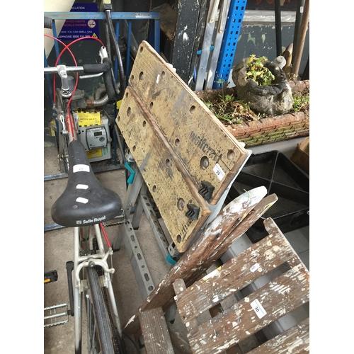 29 - A Wolfcraft workbench...