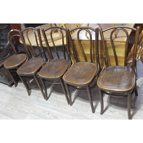 39 - A group of five bentwood cafe style chairs....