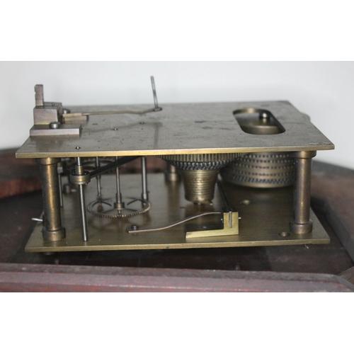 46 - A Victorian mahogany cased wall clock, the 16