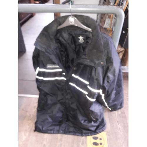 37 - An XXL Prostar Team Spirit jacket....