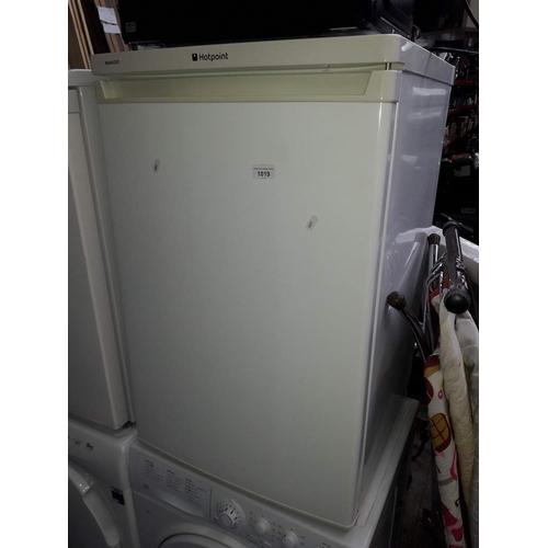 1019 - A hotpoint fridge....