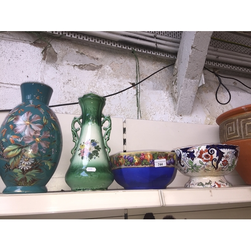 744 - Two vases and two bowls...