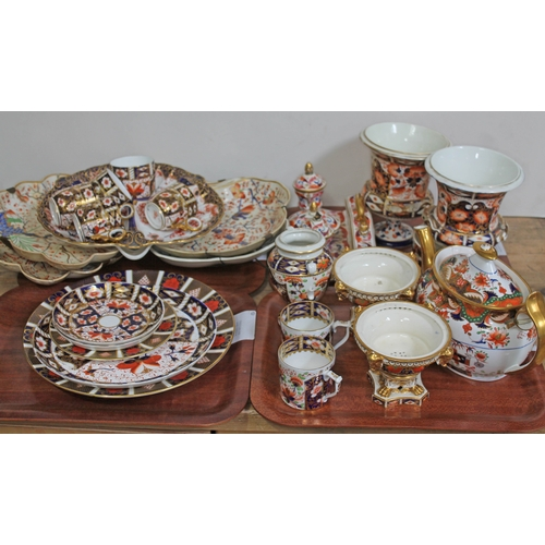 395 - Assorted Derby and Royal Crown Derby pottery, various peices as found....