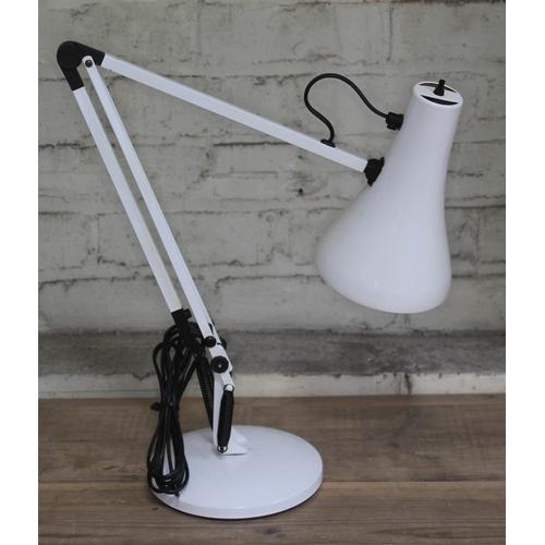 478 - A modern Anglepoise lamp....