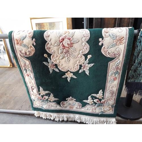 814 - A Chinese carpet94cm x 147cm....