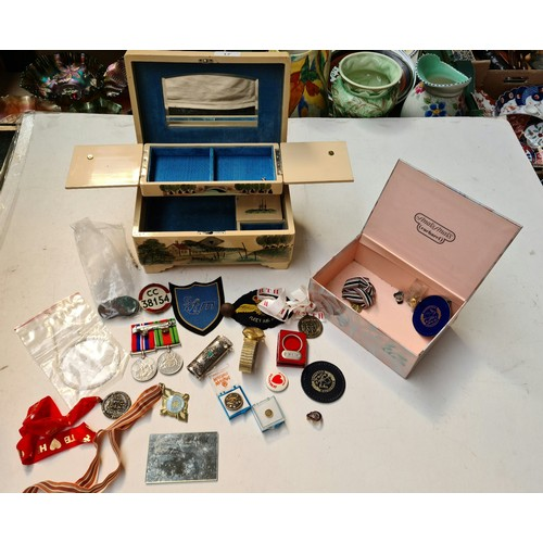 17 - A small box of collectables and a musical jewellery box...