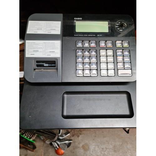 38 - A Casio electronic cash register SE-G1...