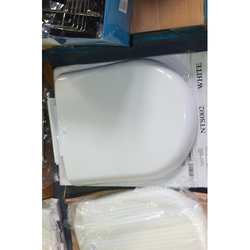 12 - D shape soft close top fix toilet seat rrp £25...
