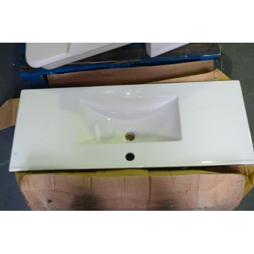 81 - 1000mm modern vanity sink rrp £200...