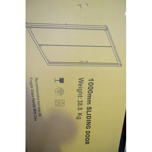 137 - 1000mm sliding shower door rrp £150...