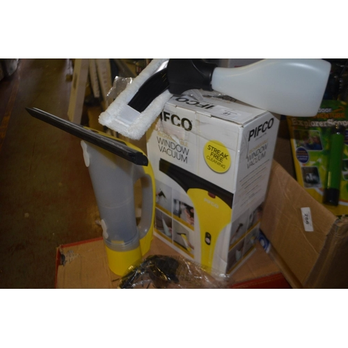 81 - PIFCO RECHARGEABLE WINDOW VAC RRP £30...
