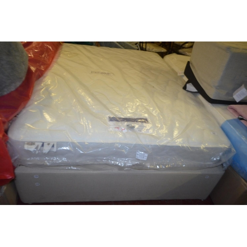 212 - SILENT NIGHT DOUBLE MATTRESS WITH SPRUNG DEVAN BASE RRP £299...