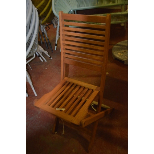 427 - DESIGNER FOLDING GARDEN CHAIR RRP £50...