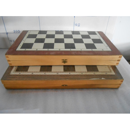 33 - x2 Wooden Backgammon Board Game Set with Chips...