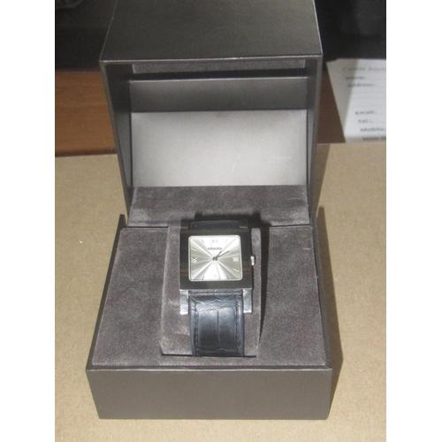33 - Gucci 7900M.1 Original Ladies Watch...