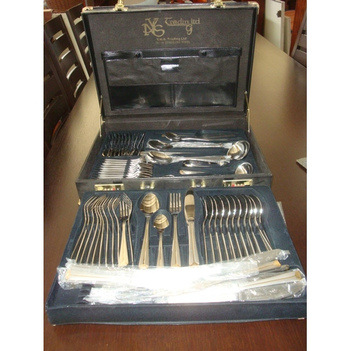 31 - Y.N.S.Napolean Box of 18/10 Stainless Steel Cutlery Set (New)...
