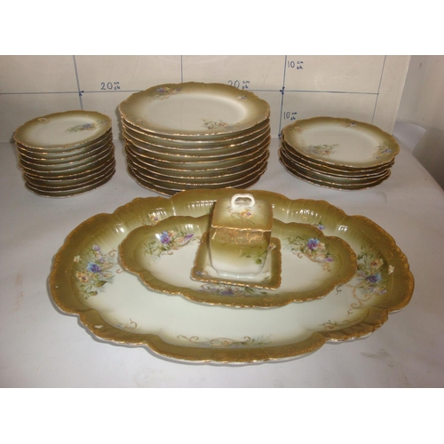 17 - Vintage Russian Floral Dining Set (29pcs)...
