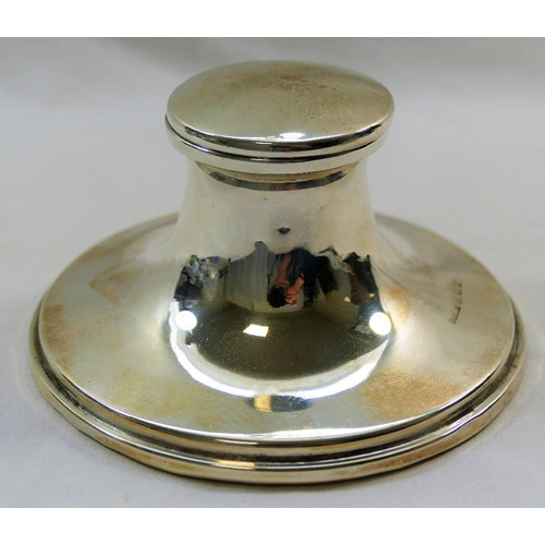 133 - An Edwardian silver capstan inkwell, Birmingham 1905 by Thomas H Hazelwood, with glass well and load...