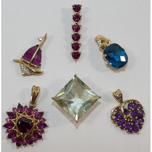 296 - A 9 carat gold heart-shaped amethyst set pendant, a 9 carat gold almandine garnet and diamond set bo...